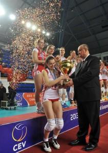 Główna nagroda za mistrzostwo Europy; fot. CEV.lu